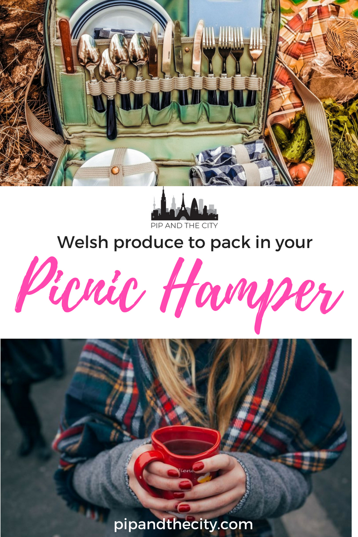 Do you love picnics? Wondering what to pack in your picnic hamper? Read this guide what to pack in your picnic hamper featuring the best in Welsh produce. Features cheese, wine, pickles, crisps and welsh cakes. #wales #foodie #picnic